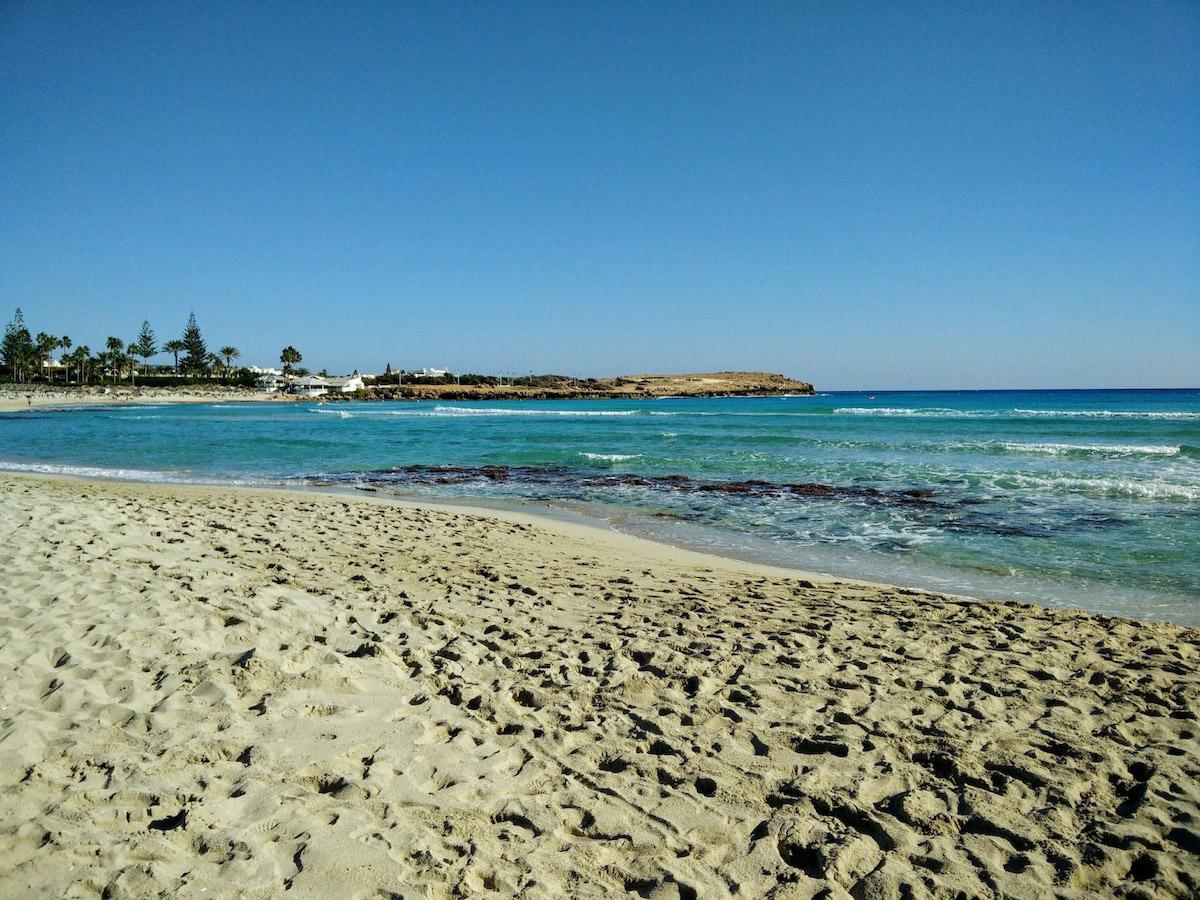 пляжи Кипра: Фиг Три Бэй пляжи Кипра Лучшие пляжи Кипра – с белым песком, для тусовок, для отдыха с детьми  D0 9F D0 BB D1 8F D0 B6 D0 B8  D0 9A D0 B8 D0 BF D1 80 D0 B0 Fig Tree Bay Beach