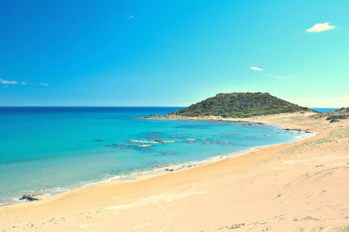 Golden Coast Beach пляжи Кипра Лучшие пляжи Кипра – с белым песком, для тусовок, для отдыха с детьми  D0 9F D0 BB D1 8F D0 B6 D0 B8  D0 9A D0 B8 D0 BF D1 80 D0 B0 Golden Coast Beach