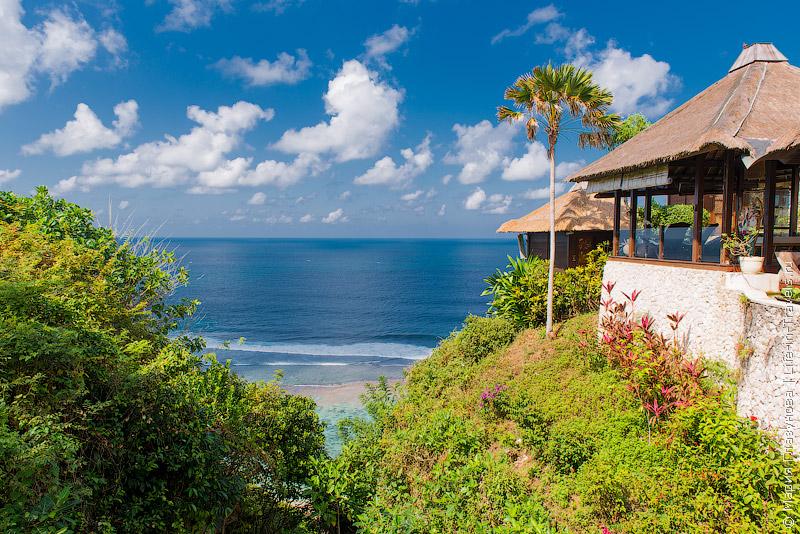 Karma Kandara - шикарный отель с виллами на холме в Улувату